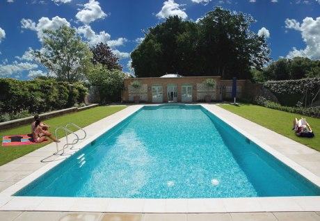 Normal-elegant-pool-01-1bs